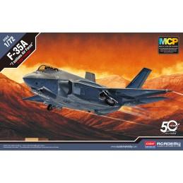 Model Kit letadlo 12561 -...